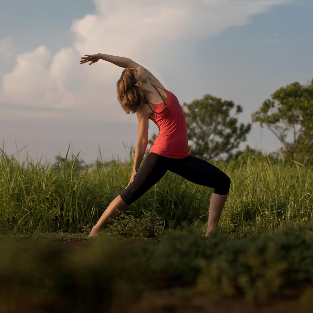 Janine Gruner auf Yogamatte