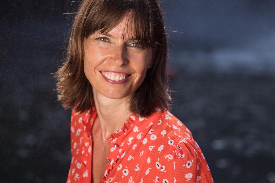 Janine Gruner lächelnd